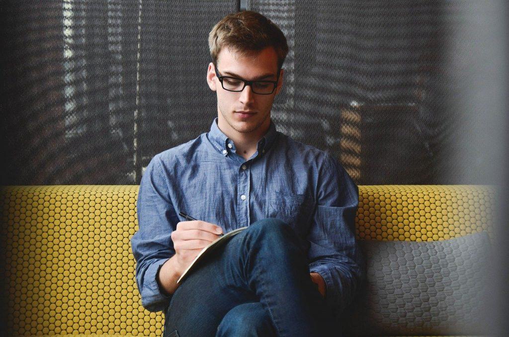 Quel est le role d'un consultant Google Adwords ?